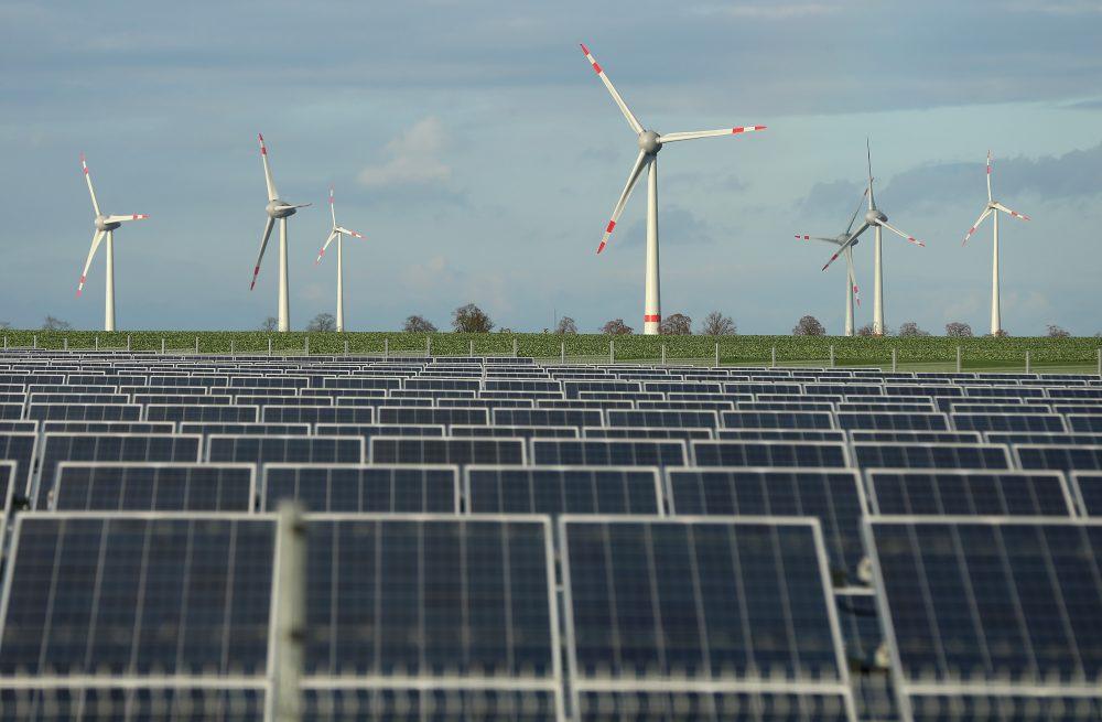 Energiát olcsóbban. Megoldások, kísérletek.